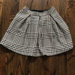 Express pleated skirt